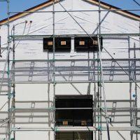 田舎風の家電気外壁工事進捗。