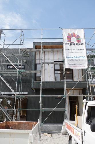 ライフタイムデザイン社ビルトインガレージのある家外壁工事完了