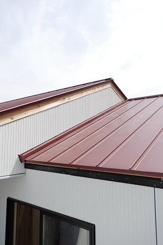 田舎風の住宅外壁工事屋根工事完了