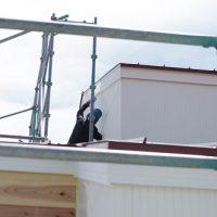 田舎風の住宅塗装工事。五月晴れ