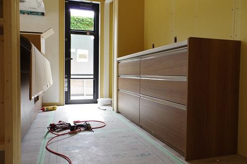 システムキッチン設置作業