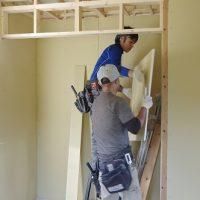 外部配管、壁・天井ボード貼り進捗☆